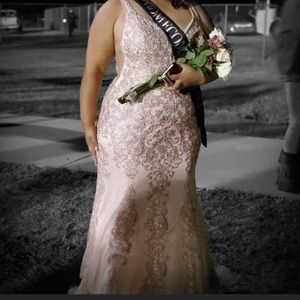 Dresses - Prom/ formal dress